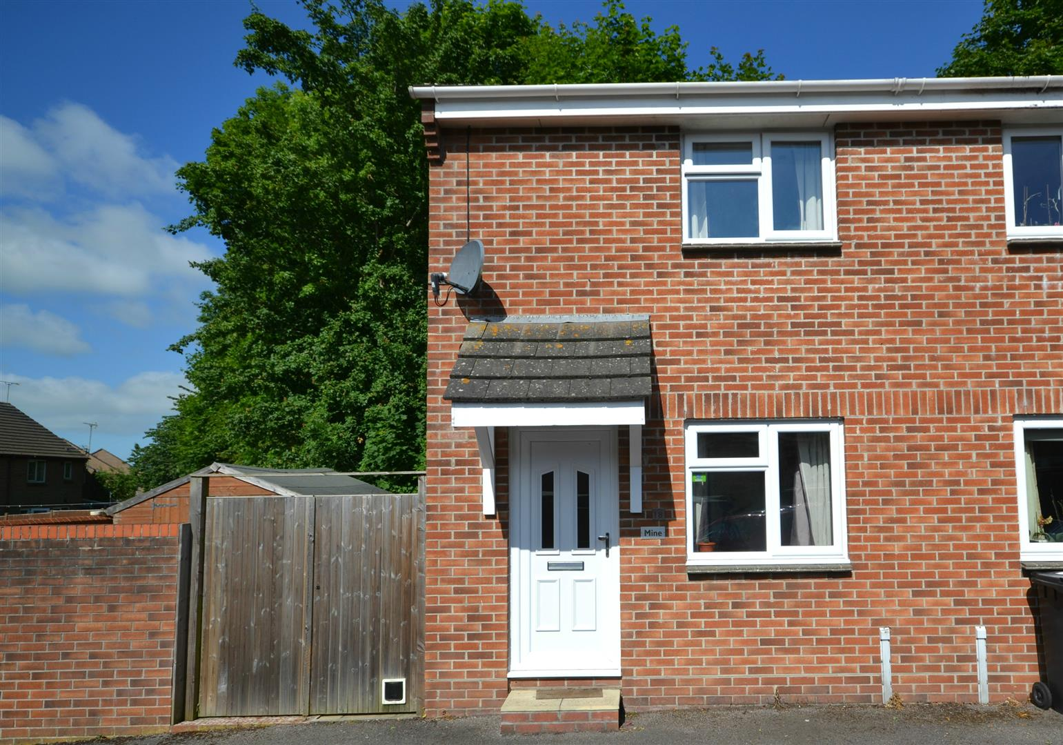 1 Bedroom Detached House for sale in Highgrove Close, Dorchester